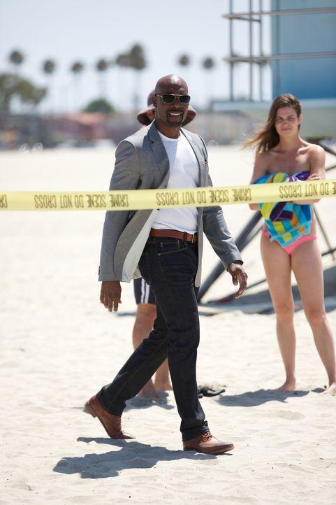 Rosewood (Morris Chestnut) steht vor einem Puzzle: Einen Fuß, der am Strand gefunden wurde, konnte er einem erfolgreichen Geschäftsmann zuordnen, de... - Bildquelle: 2015-2016 Fox and its related entities.  All rights reserved.