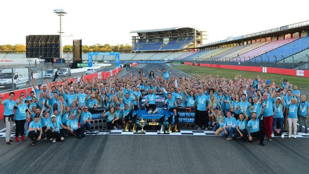 Mercedes verlässt die DTM nach 30 Jahren noch einmal mit Fahrer-, Team- und ... - Bildquelle: LAT