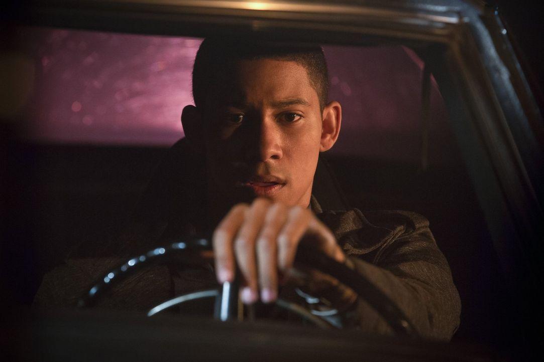 Wally (Keiynan Lonsdale) ist nicht unbedingt der gute Junge, den sich Joe immer gewünscht hat ... - Bildquelle: 2015 Warner Brothers.