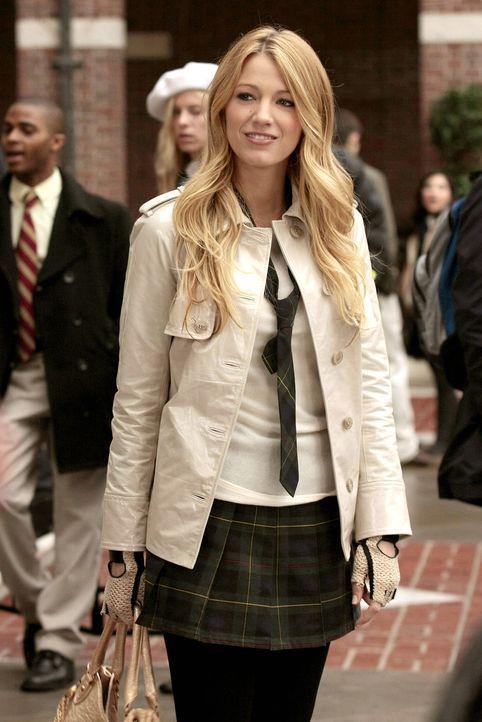 Serenas (Blake Lively) Welt gerät ins Straucheln, als eine alte Freundin wieder auftaucht ... - Bildquelle: Warner Bros. Television