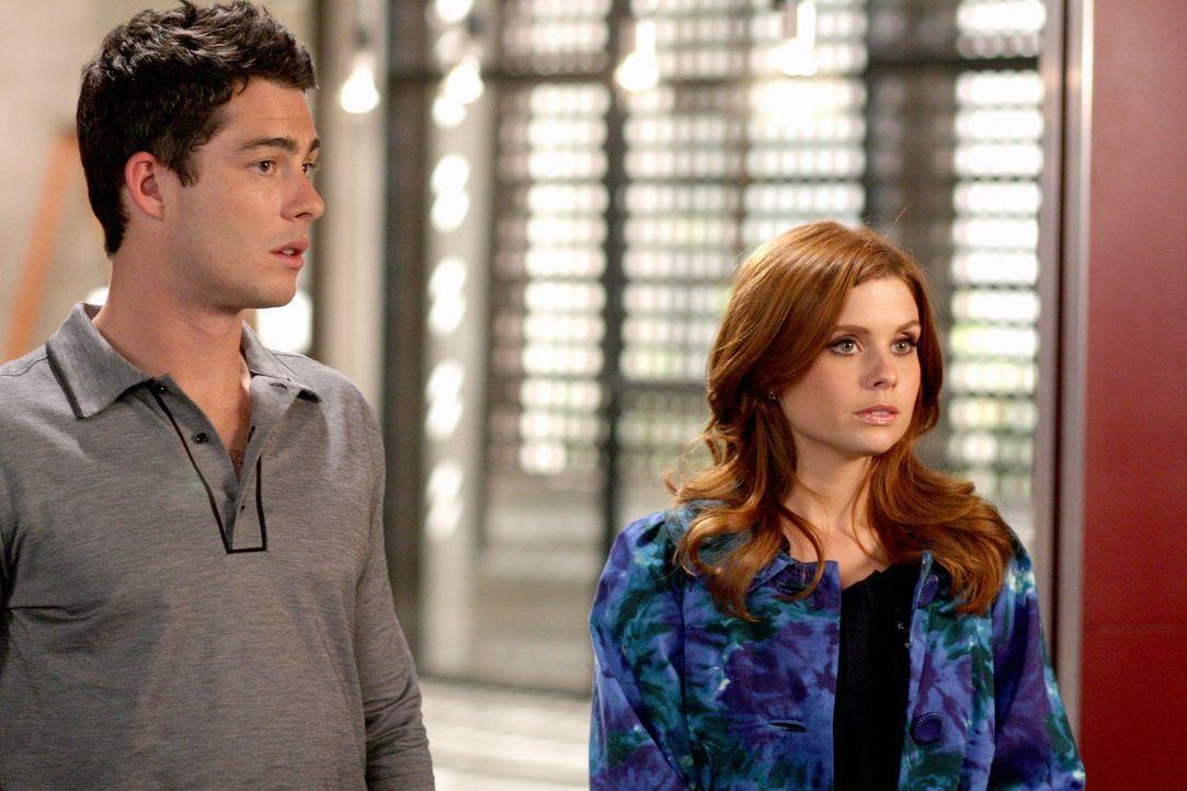Megan (Joanna Garcia, r.) und Will (Brian Hallisay, l.) haben ein Vorstellungsgespräch bei einem neuen Magazin. Will bekommt dank seines Vaters den... - Bildquelle: Warner Bros. Television