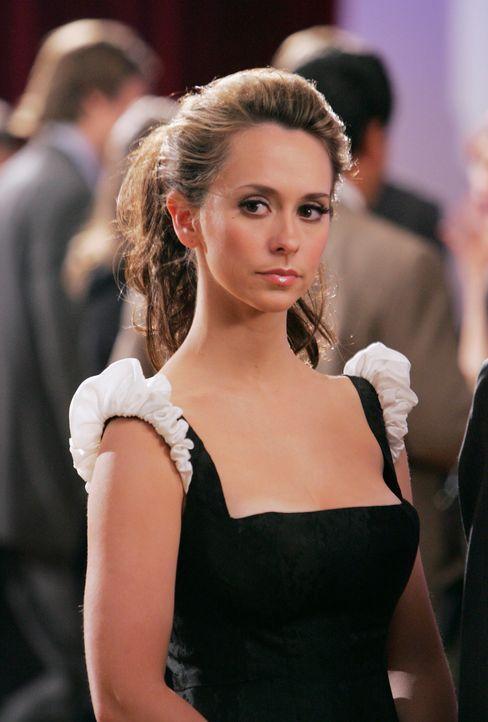 Aus dem Leichenschauhaus verschwindet auf sehr mysteriöse Weise eine Leiche, und gleichzeitig taucht bei Melinda (Jennifer Love Hewitt) ein Geist au... - Bildquelle: ABC Studios