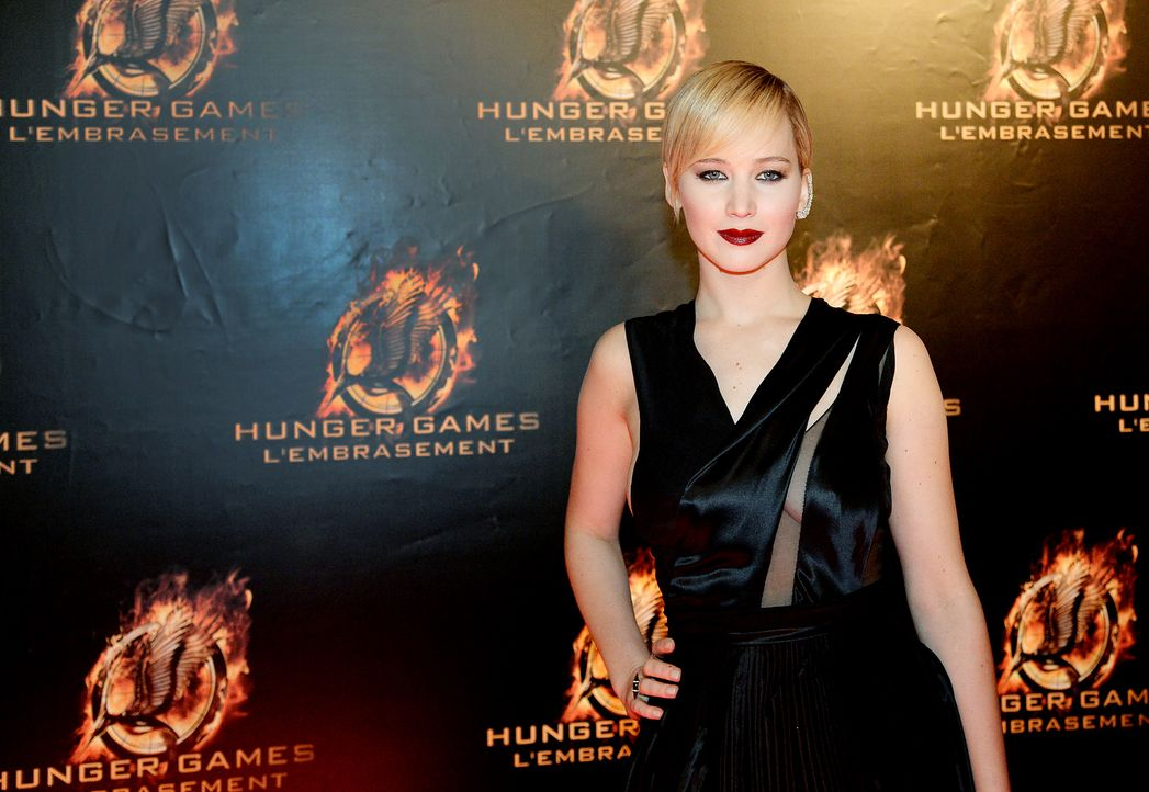 Jennifer-Lawrence-Tribute2-Premiere-Paris-131115-1-AFP - Bildquelle: AFP
