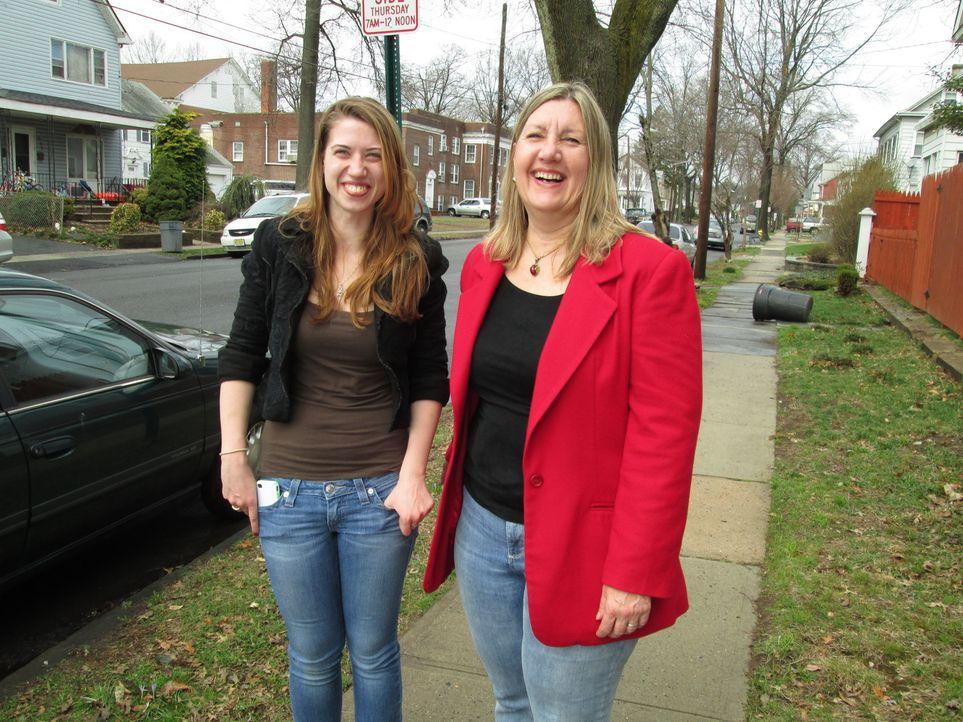 Laura (l.) und Darlene Schor (r.) wollen $79,000 mit ihrer ersten Renovierung machen. Werden sie schlussendlich herbe enttäuscht? - Bildquelle: 2014, DIY Network's/Scripps Network's, LLC.