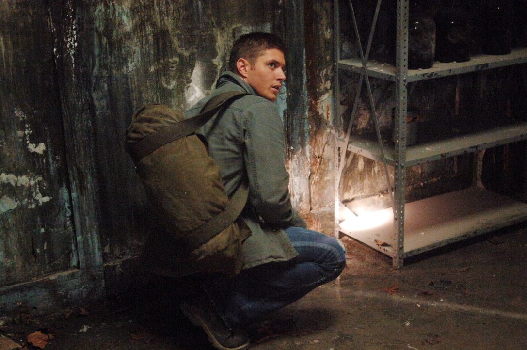 Sam und Dean (Jensen Ackles) untersuchen einen neuen Fall, der sie in eine alte Nervenheilanstalt führt. Dort machen sie Bekanntschaft mit den Geist... - Bildquelle: Warner Bros. Television