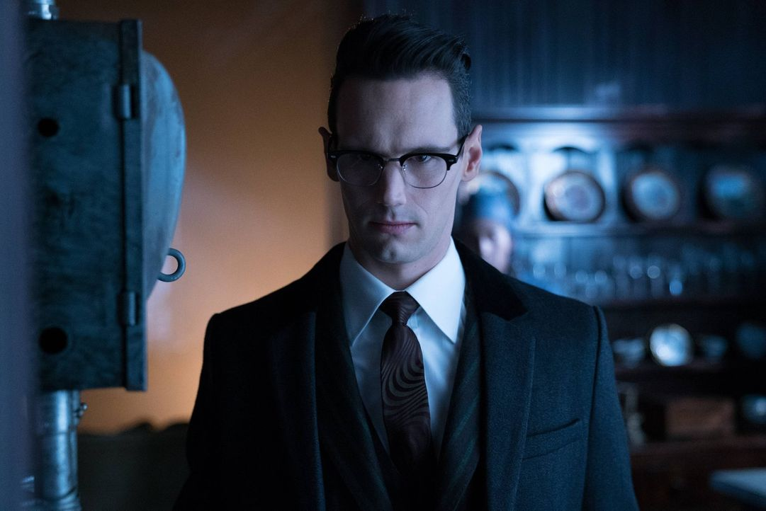 Nachdem Edward Nygma (Cory Michael Smith) herausgefunden hat, dass Penguin für den Tod von Isabella verantwortlich ist, will er ihn um alles in der... - Bildquelle: Warner Brothers