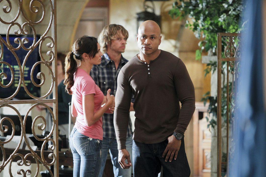 Ein neuer Fall beschäftigt Sam (LL Cool J, r.), Kensi (Daniela Ruah, l.) und Deeks (Eric Christian Olsen, M.) ... - Bildquelle: CBS Studios Inc. All Rights Reserved.