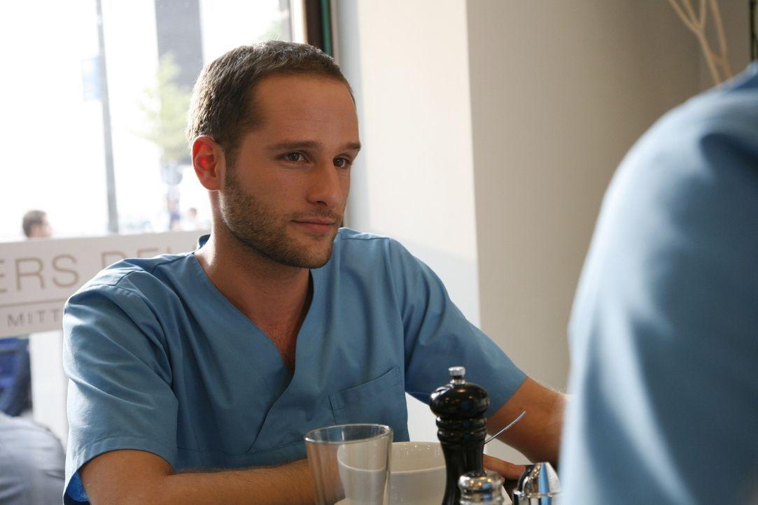 Dr. Jens Meyer (Lee Rychter) - Bildquelle: Mosch Sat.1