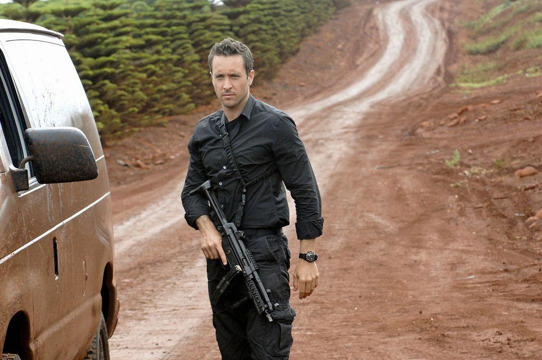 Versucht gemeinsam mit seinem Team, den Mord an Polizist Meka aufzuklären: Steve (Alex O'Loughlin) ... - Bildquelle: TM &   2010 CBS Studios Inc. All Rights Reserved.