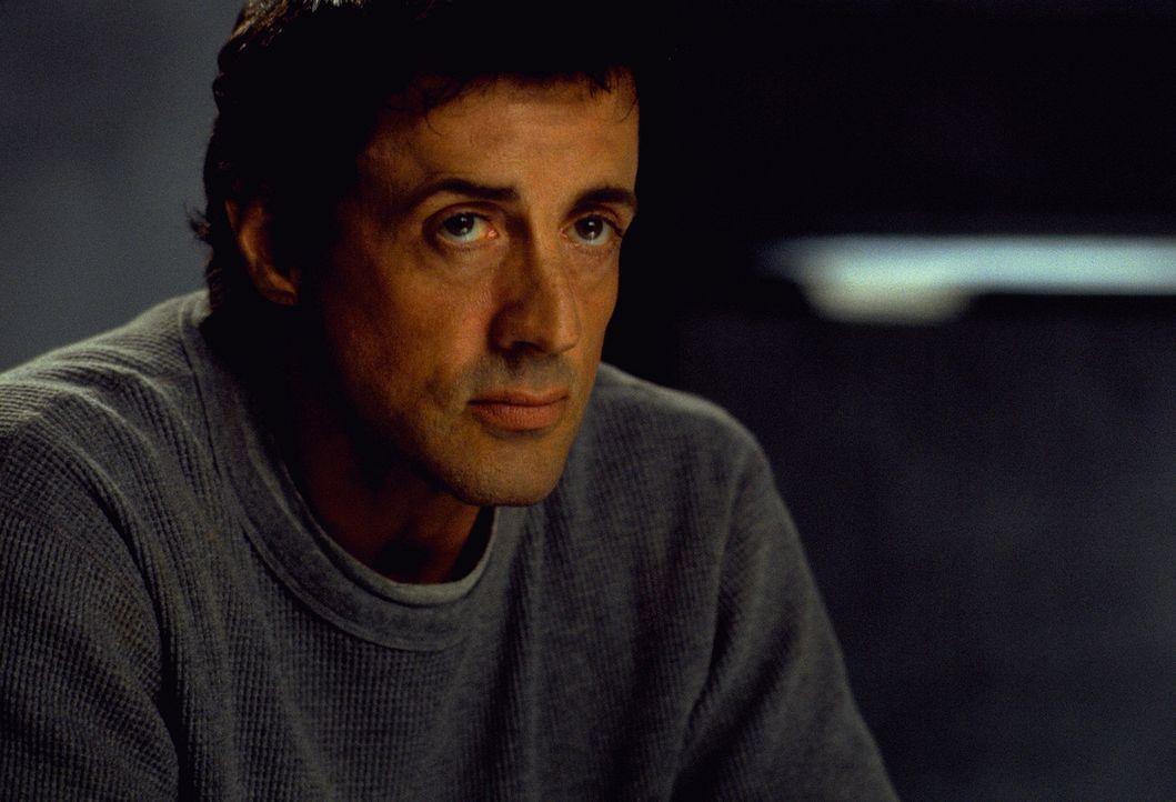 Um sein Leben endlich wieder in den Griff zu bekommen, begibt sich Jake Malloy (Sylvester Stallone) in eine Klinik in Wyoming, in der vorwiegend Ord... - Bildquelle: Universal Pictures