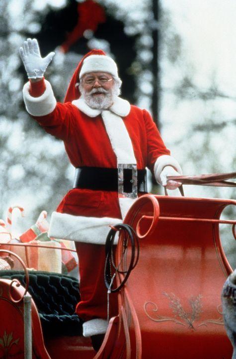 Das renommierte Kaufhaus Cole wird von gravierenden Existenzsorgen geplagt, bis Kriss Kringle (Richard Attenborough) als Weihnachtsmann engagiert wi... - Bildquelle: 20th Century Fox
