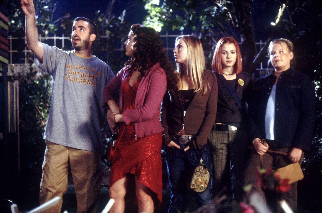 Regieanweisungen: (v.l.n.r.) Regisseur Joe Nussbaum, Alexa Vega, Mika Boorem, Scout Taylor-Compton und Kallie Flynn Childress - Bildquelle: 2004 METRO-GOLDWYN-MAYER PICTURES INC. ALL RIGHTS RESERVED.
