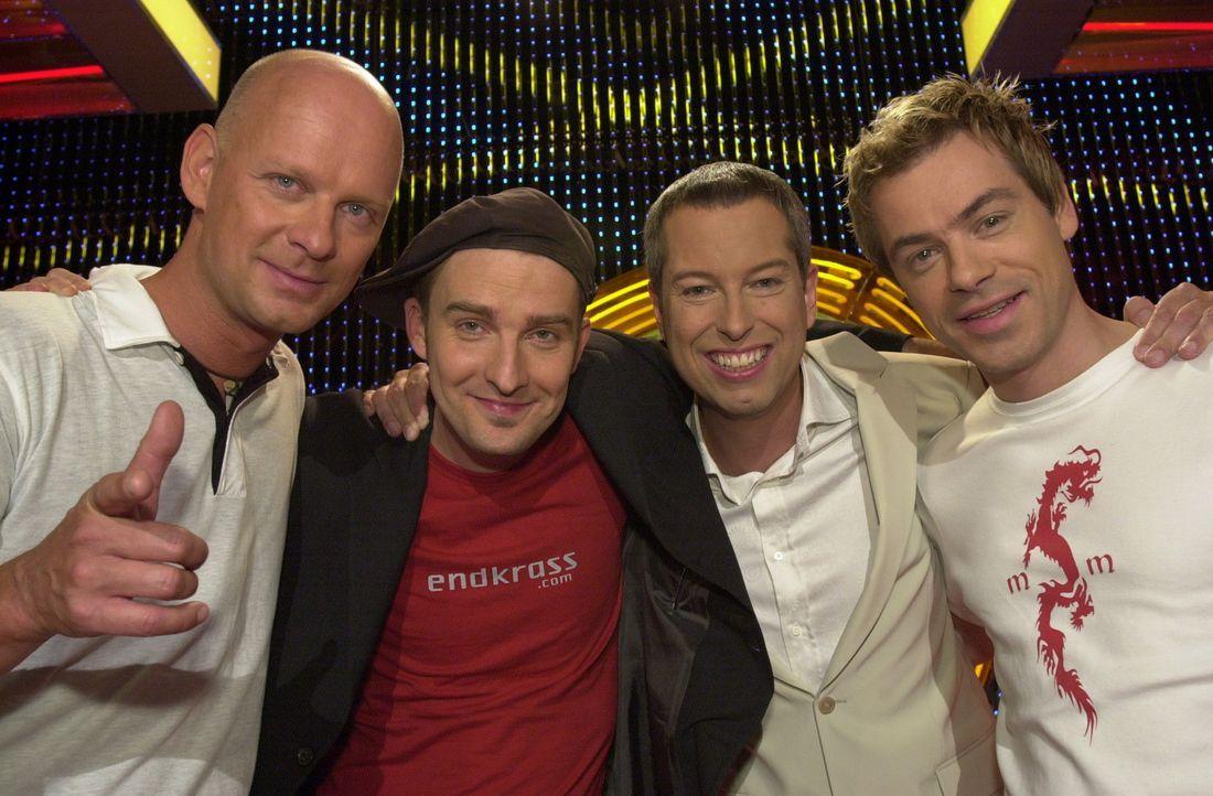 """(v.l.n.r.) Rüdiger Hoffmann, David Leukert, Thomas Hermanns und Michael Mittermeier im """"Quatsch Comedy Club"""" - Bildquelle: ProSieben"""