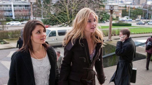 Voller Vorfreude: Lux (Brittany Robertson, r.) und ihre Mutter Cate (Shiri Ap...