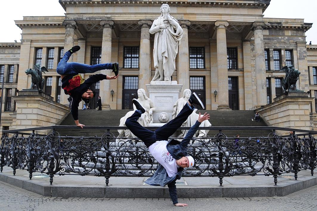 Die-Berliner-Formation-Flying-Steps-ist-vierfacher-Weltmeister-im-Breakdance-und-zeigt-einen-Auszug-aus-der-Performance-Red-Bull-Flying-Bach-am-6.-Juli-(c)-DAVIDS