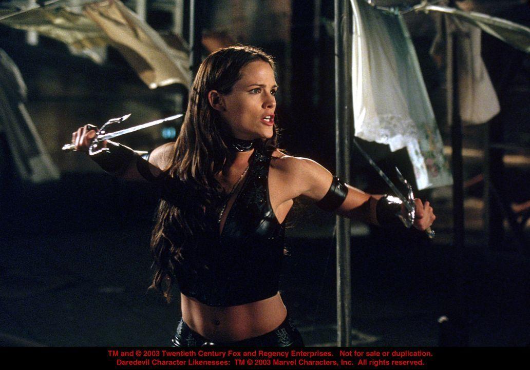 Als Matt dem Schurken Kingpin gefährlich nahe kommt, heuert dieser einen Killer an, was seine Freundin Elektra (Jennifer Garner) in tödliche Gefah... - Bildquelle: 20th Century Fox