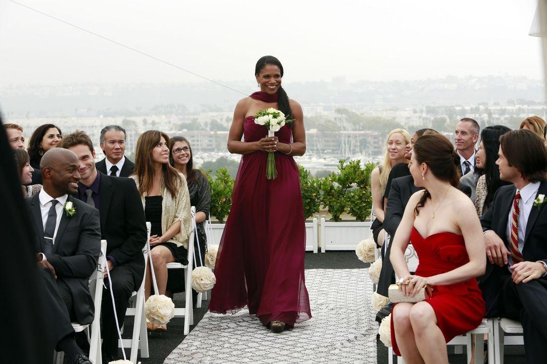 Steht ihrer Freundin am Hochzeitstag zur Seite: Naomi (Audra McDonald, M.) ... - Bildquelle: ABC Studios