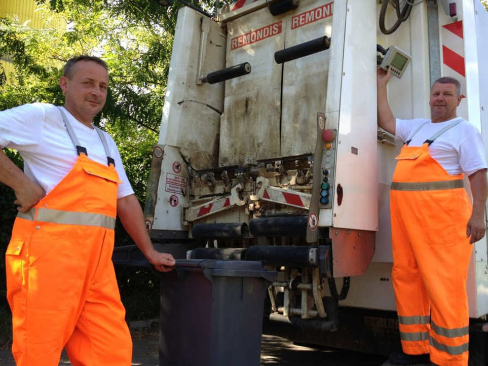 Wer beim Thema Müllabfuhr einfach nur an orangefarbene Männer auf lauten und stinkenden Müllwagen denkt, der wird in diesem Film überrascht werd... - Bildquelle: kabel eins
