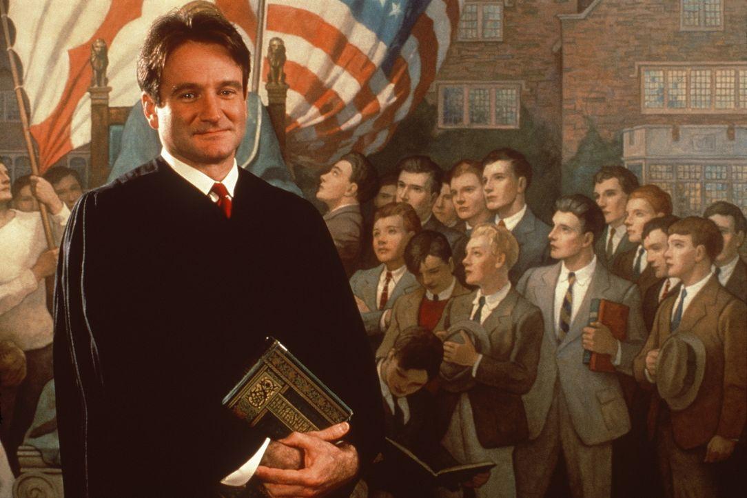 """""""Carpe Diem - Nutze den Tag!"""" Mit diesem Motto kündigt der neue Englischlehrer John Keating (Robin Williams) an, wie er den Unterricht an einem erzk... - Bildquelle: Touchstone Pictures"""