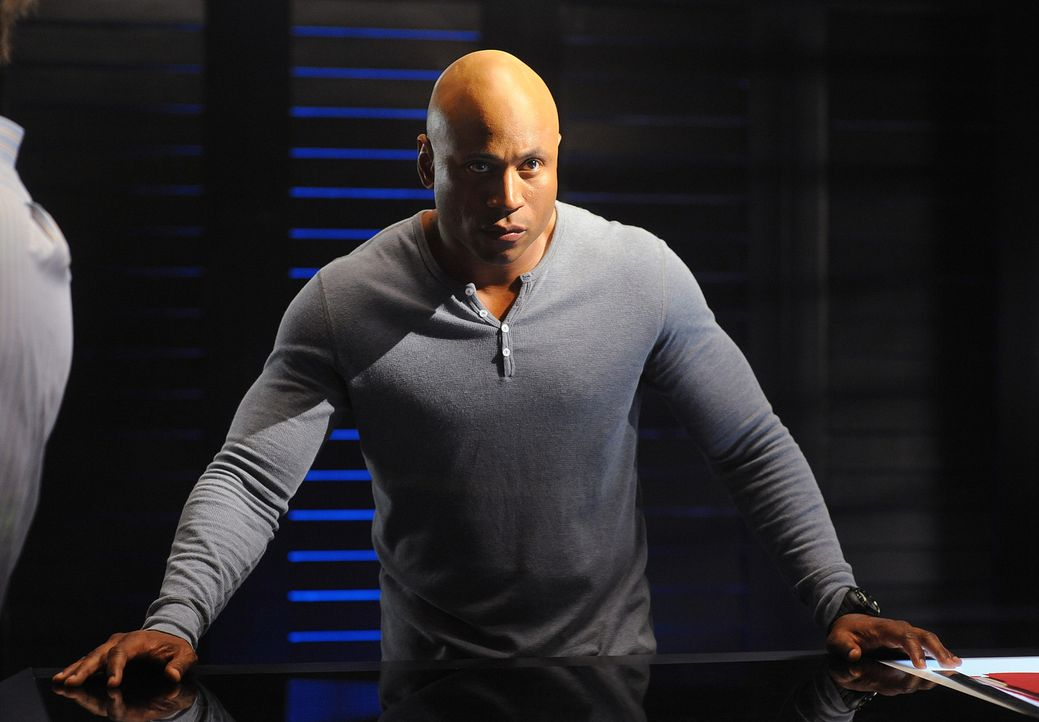 Steckt mitten in den Ermittlungen in einem neuen Mordfall: Sam (LL Cool J) ... - Bildquelle: CBS Studios Inc. All Rights Reserved.