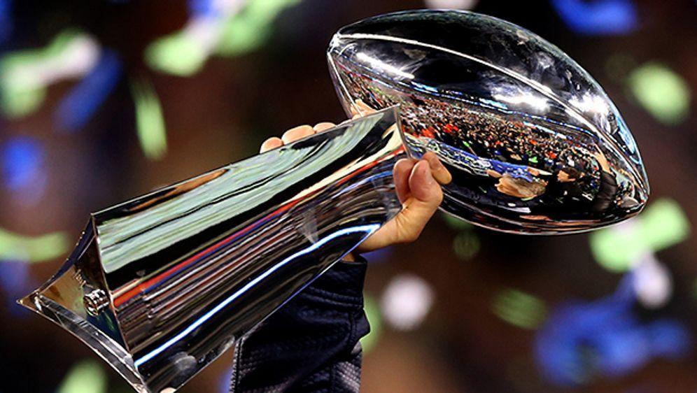 Objekt der Begierde: Die Vince Lombardy Trophy. - Bildquelle: Getty