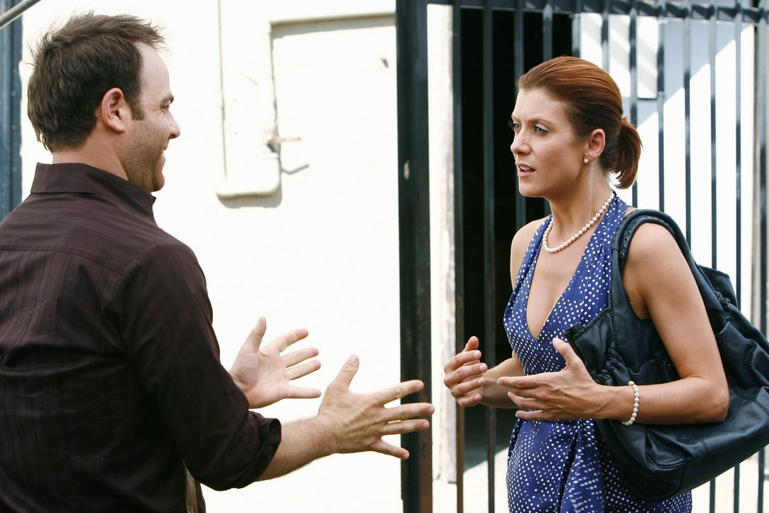 Sam und Addison (Kate Walsh, r.) planen, Naomi ihren Anteil der Praxis auszuzahlen. Dazu sollen alle 50 Tausend Dollar zahlen. Cooper (Paul Adelstei... - Bildquelle: ABC Studios
