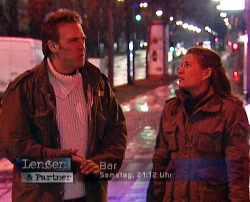 Lenßen und Partner | Bildergalerie - Kommissar Naseband in Not - Bildquelle: Sat1