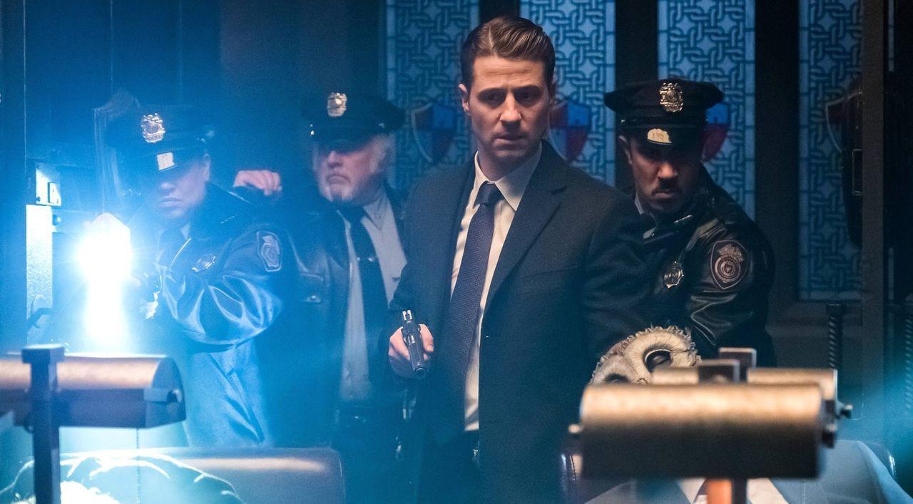 Mit allen Mitteln versucht Gordon (Ben McKenzie), die Stadt vor dem gefährlichem Alice-Tetch-Virus zu retten. Keine leichte Aufgabe ... - Bildquelle: Warner Brothers