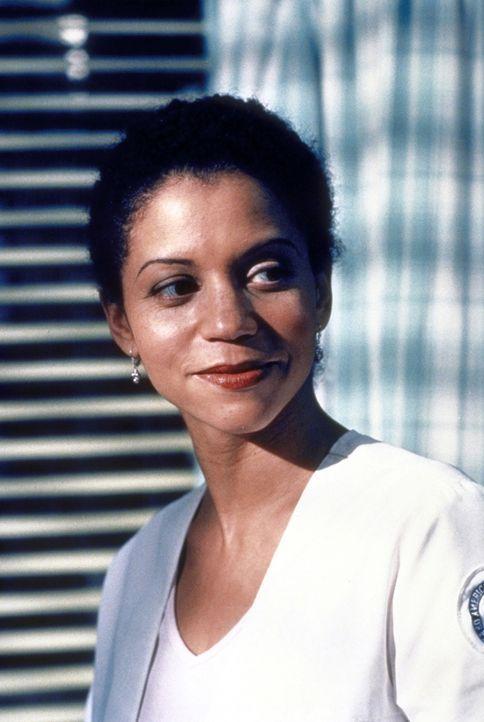 Jeanie (Gloria Reuben) ist durch ihre Hepatitis seelisch schwer belastet. - Bildquelle: TM+  2000 WARNER BROS.