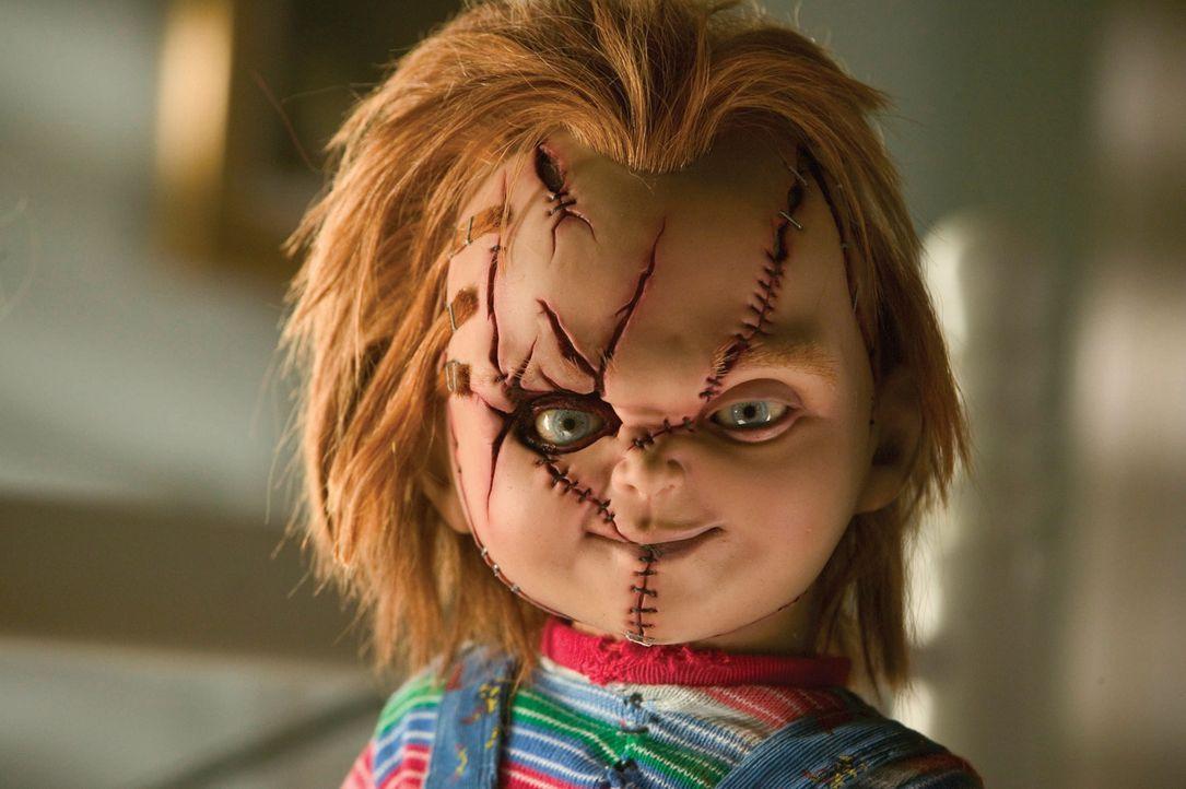 Unglücklicherweise holt ihr Sohn Glen, der auch die Tochter Glenda sein könnte, die Mörderpuppe Chucky und seine Braut zurück ins Leben - mit fatale... - Bildquelle: Constantin Film