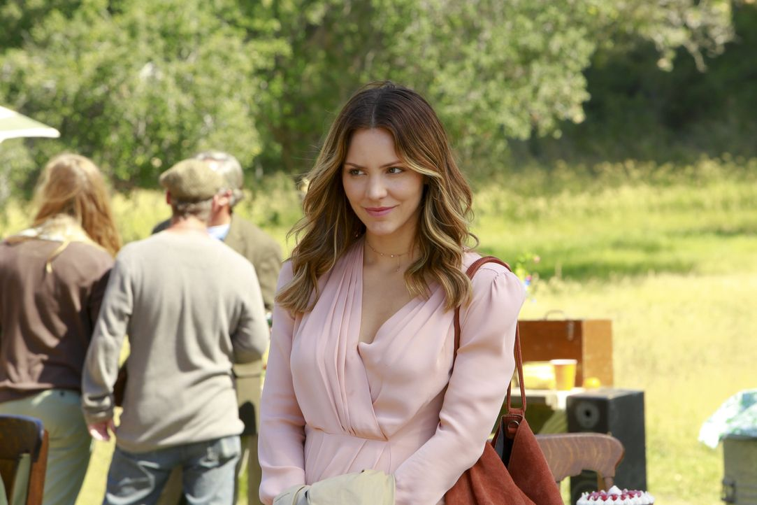Noch ahnt Paige (Katharine McPhee) nicht, dass ihr Trip nach Irland zu einem lebensgefährlichen Unterfangen wird ... - Bildquelle: Bill Inoshita 2016 CBS Broadcasting, Inc. All Rights Reserved.