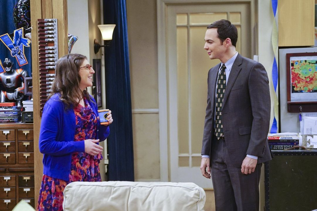 Weil Sheldon (Jim Parsons, l.) Amys (Mayim Bialik, l.) Geburtstag unvergesslich gemacht hat, will sie dies erwidern und mit seinen Freunden eine Par... - Bildquelle: 2016 Warner Brothers