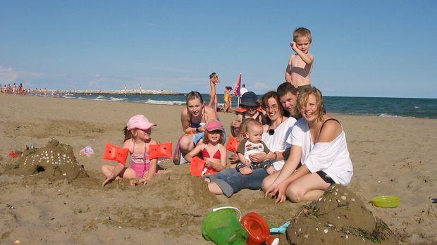 Großfamilie Schmidt macht Urlaub ... © kabel eins