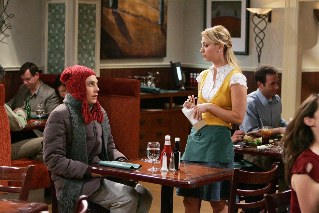 Howard, Leonard und Raj verstecken sich vor dem kränkelnden Sheldon (Jim Parsons, l.), der plötzlich bei Penny (Kaley Cuoco, r.) im Restaurant auf... - Bildquelle: Warner Bros. Television