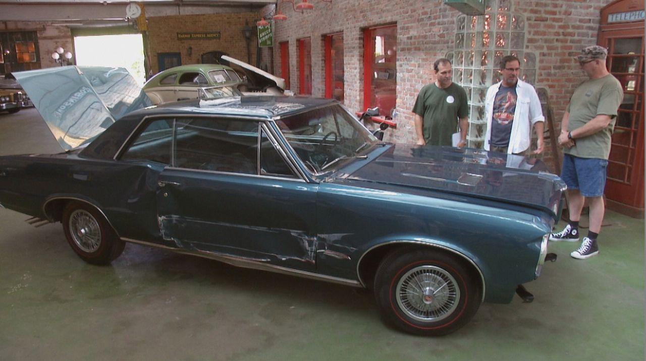 Steve (M.) kommt mit seinem durch einen schweren Unfall geschädigten 1964er GTO zu den Werkstattprofis. Kann das Fantomworks-Team ihn in seinen Orig... - Bildquelle: New Dominion Pictures LLC