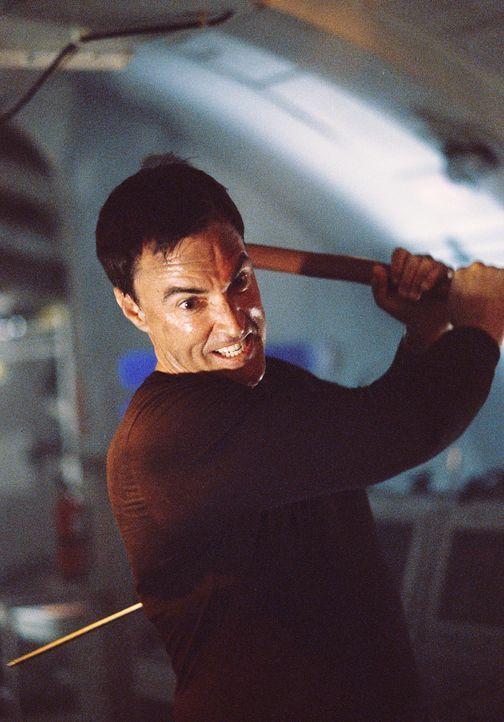 Rechnet nicht mit entfesselten Gegnern, die ihm nach dem Leben trachten: Ben Stiles (Todd Jensen) ... - Bildquelle: 2004 Sharky Productions A.V.V.  All Rights Reserved.