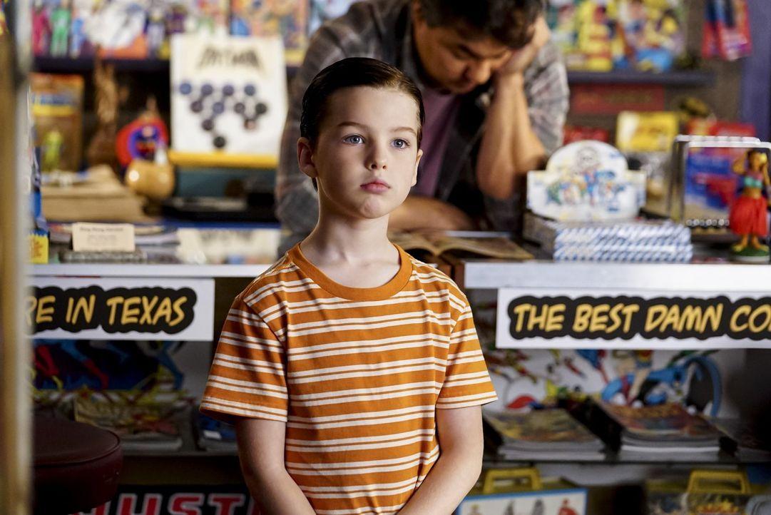Kann ein Therapeut Sheldon (Iain Armitage) helfen, als er keine feste Nahrung mehr zu sich nehmen kann, nachdem er fast an einer Wurst erstickt ist? - Bildquelle: Warner Bros.