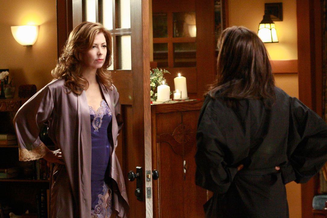 Die Situation zwischen Mike, Susan (Teri Hatcher, r.) und Katherine (Dana Delany, l.) scheint zu eskalieren ... - Bildquelle: ABC Studios