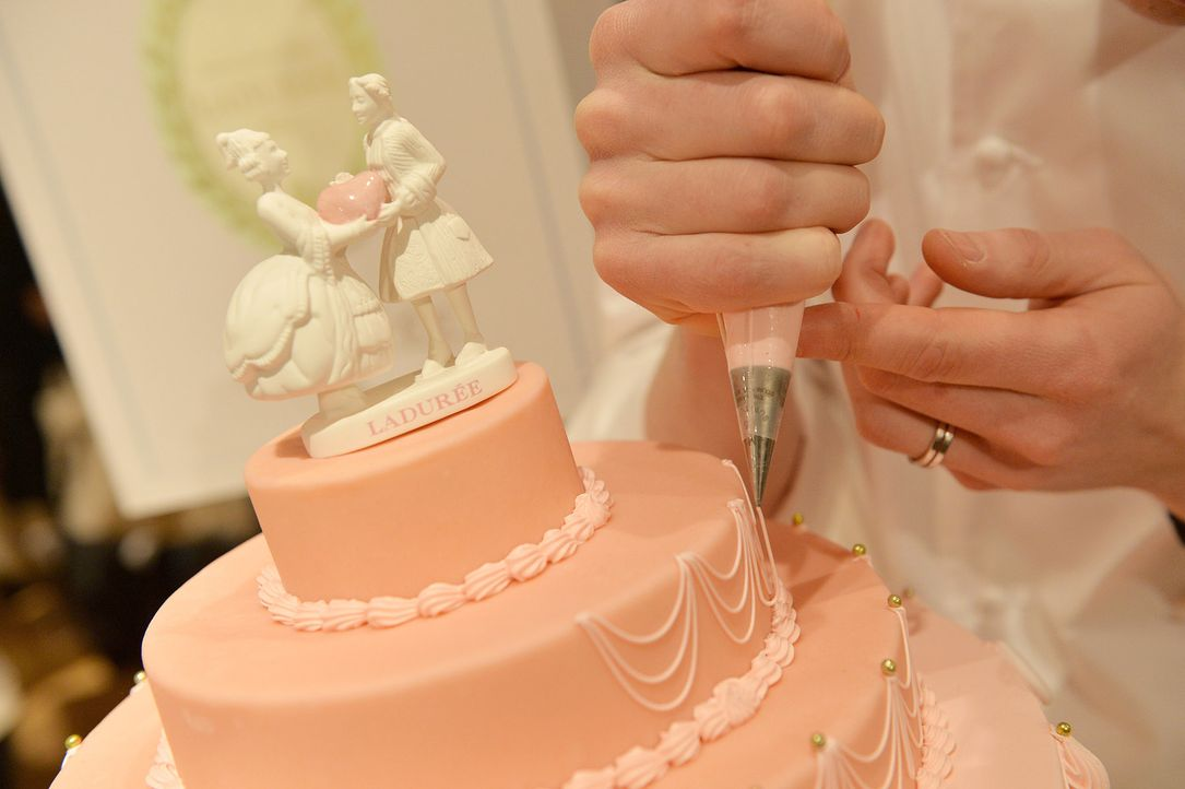 Hochzeitstorte-Laduree-getty-AFP - Bildquelle: getty-AFP