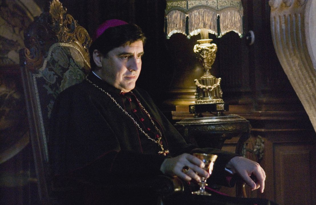 Niemand darf an den Grundfesten der katholischen Kirche rütteln! Bischof Manuel Aringarosa (Alfred Molina) sorgt dafür, dass das geheime Wissen der... - Bildquelle: Sony Pictures Television International. All Rights Reserved.
