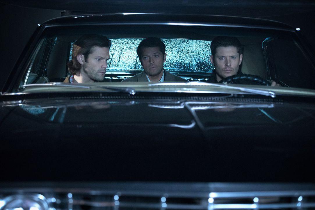 (v.l.n.r.) Sam (Jared Padalecki); Castiel (Misha Colins); Dean (Jensen Ackles) - Bildquelle: Jack Rowand 2016 The CW Network, LLC. All Rights Reserved/Jack Rowand