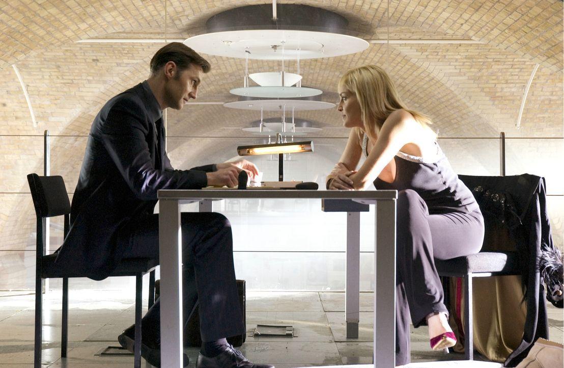 Der renommierte Kriminalpsychologe Dr. Michael Glass (David Morrisey, l.) wird von Scotland Yard beauftragt, ein psychiatrisches Gutachten über Cath... - Bildquelle: Constantin Film