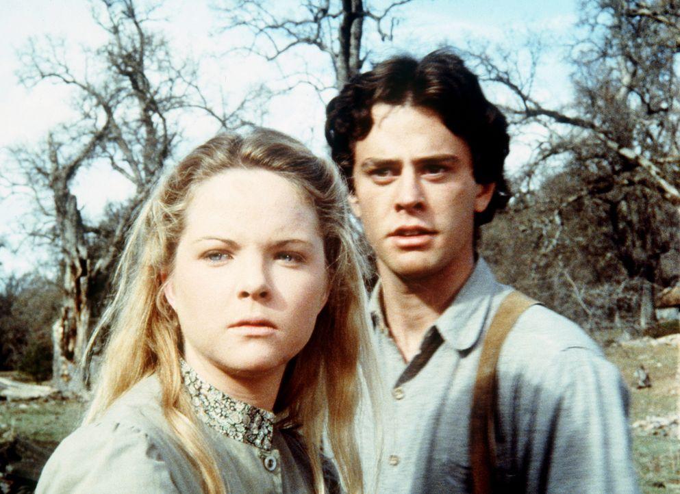 Joshua Bond (Mark Neely, r.) hat sich in Mary (Melissa Sue Anderson, l.) verliebt und versucht, sich ihr zu nähern. - Bildquelle: Worldvision