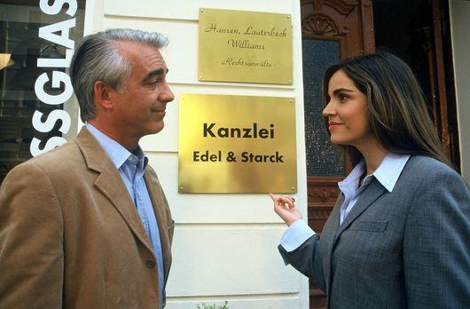 Edel & Starck - Felix (Christoph M. Ohrt, l.) lässt ein neues Kanzleischi...