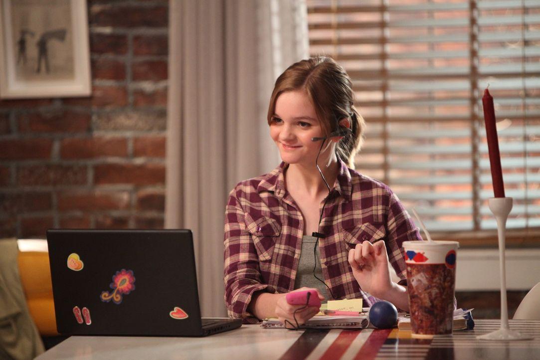 Endlich hat Molly (Kerris Dorsey) ein Zuhause, da ist es auch okay, dass sie Chloes persönliche Assistentin sein soll ... - Bildquelle: 2012 American Broadcasting Companies. All rights reserved.