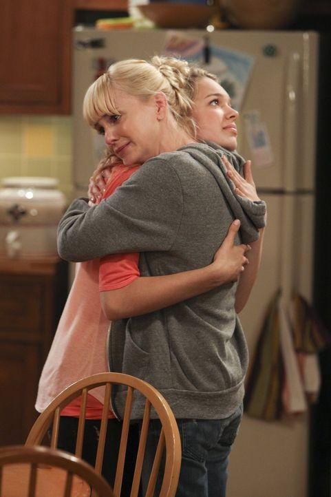 Was auch immer passieren wird, Christy (Anna Faris, l.) hält auf jeden Fall zu ihrer Tochter Violet (Sadie Calvano, r.) ... - Bildquelle: Warner Brothers Entertainment Inc.
