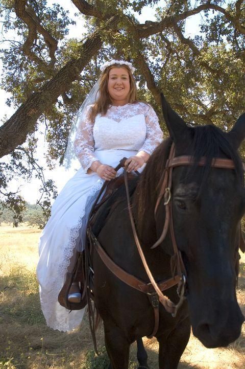 Julia (Alyson Hannigan) ist überzeugt: Wenn der Prinz nicht mit dem Pferd zu mir kommt, komme eben ich mit dem Pferd zu ihm. - Bildquelle: Epsilon Motion Pictures