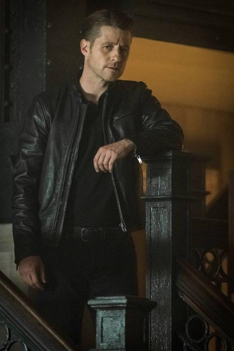 Sechs Monaten nach den Vorfällen in Indian Hills verdient sich Jim Gordon (Ben McKenzie) sein Geld als Kopfgeldjäger, während die Mutanten Gotham Ci... - Bildquelle: 2016 Warner Brothers