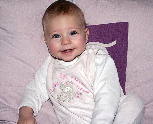 Sandys Tochter Kiara (6 Monate) - Bildquelle: Sat1