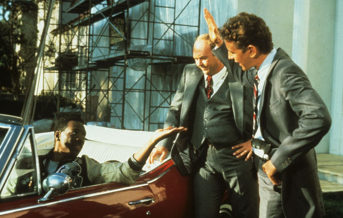 Gemeinsam wollen Rosewood (Judge Reinhold, r.), Taggart (John Ashton, M.) und Axel (Eddie Murphy,l.) den Mord an Bogomil aufklären ... - Bildquelle: Paramount Pictures